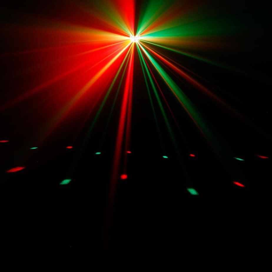 Cameo Superfly XS LED lyseffekt for dansegulv