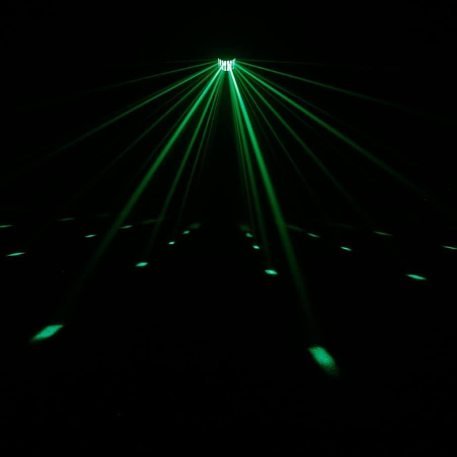 Cameo Superfly XS LED lyseffekt med mange farger