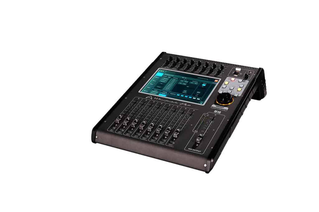 Wharfedale Pro M16 digital lydmikser sett fra siden 01