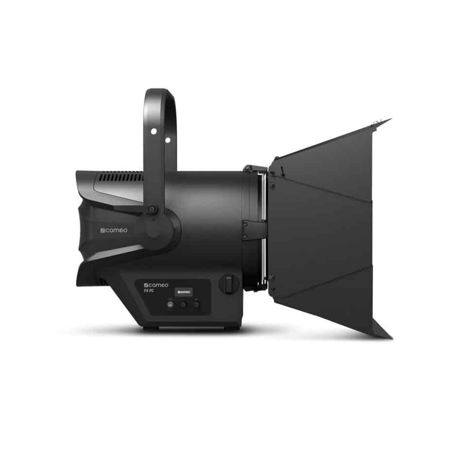 Cameo TS F4 FC RGBW Fresnel Pro Sett Fra Siden